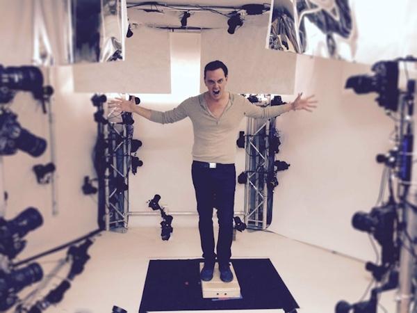 Actor Donovan Leitch preparing for xxArray scan